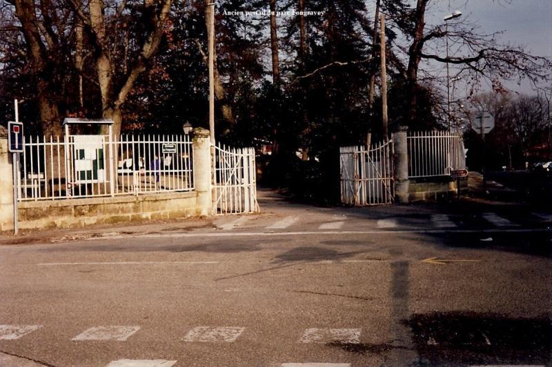 Fongravey-ancien-portail-avec-titre